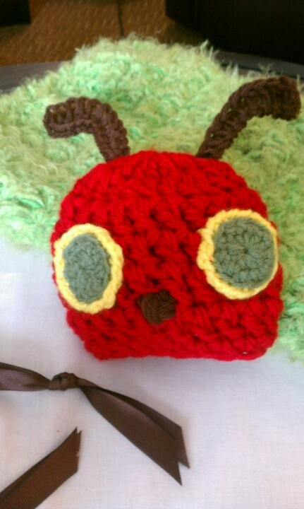 Very Hungry Caterpillar Crochet Hat Pattern Free : 1000+ images about crochet or knit cocoons on Pinterest ...