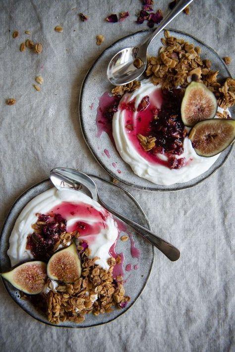 Un petit-déjeuner romantique et healthy - 10 idées de petit-déjeuner romantique pour un réveil en douceur - Elle à Table