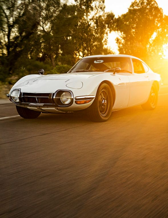 Toyota 2000GT, beautiful car.