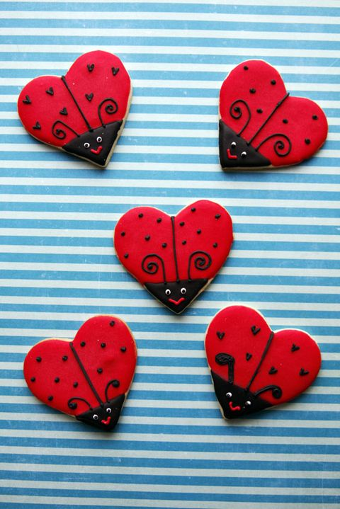 heart shaped ladybug sugar cookie what a great idea using Heart cookie cutter