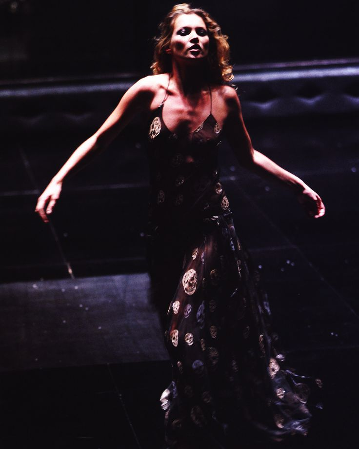 Kate Moss wearing the iconic skull-print dress by ...