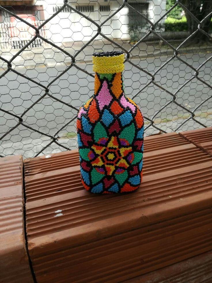 Botella decorada en arte con mostacillas, # Arte, # Cali