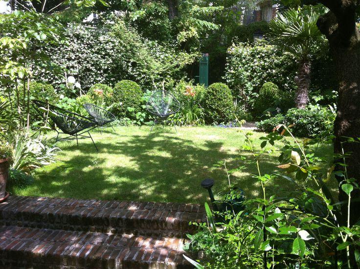 Un jardin dépaysant et ressourçant en plein cœur de Paris, aménagé par le paysagiste Xavier de Chirac