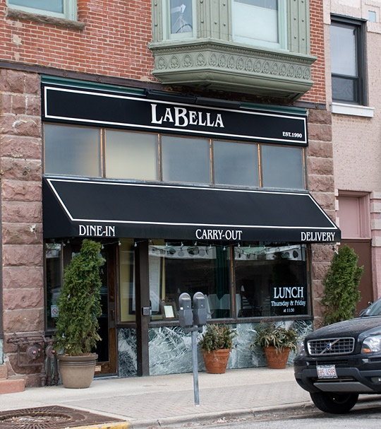La Bella (Oak Park, IL)   Best Italian Food In Our Mouths While Living In  OP! BEST White Pizza Ever, Chicken Limon And Clams Were Fabulous!