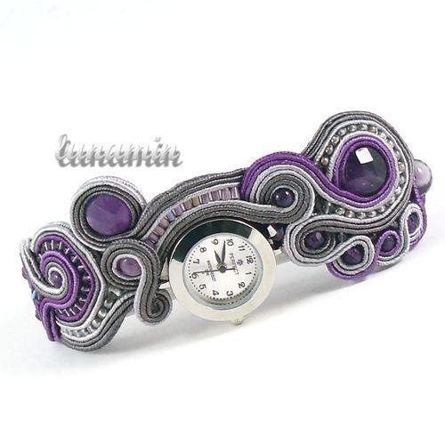 CZASOMIERZ MARZEŃ LUNAMIN . ZEGARKI Pasek zegarka został stworzony w całości ręcznie techniką haftu sutasz (soutache).