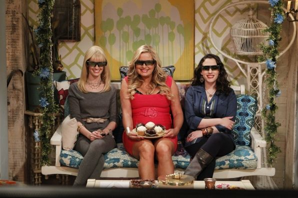 3D Vision Max Black (Kat Dennings) right, and Caroline Channing (Beth Behrs) left, are suspicious of the new upstairs neighbor who moves in after the old tenant dies, on 2 BROKE GIRLS. Jennifer Coolidge, center, guest stars as Sophie, the upstairs neighbor. Photo: Sonja Flemming/CBS © 2011 CBS Broadcasting, Inc. All Rights Reserved.