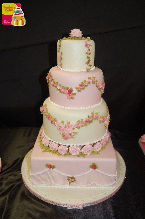 """Secondo Trofeo Fantasy Cake - Genova 2014. Vincitore Categoria """"Royal Icing"""" Rossella Repetto"""