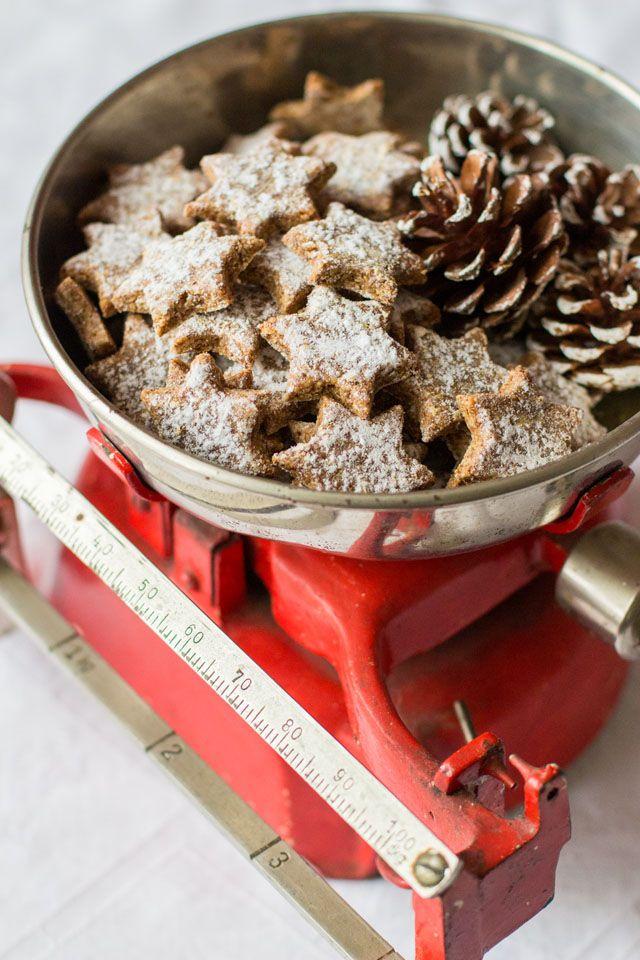 Zimtsterne mit gesunder Süße und ein heißer Buchtipp im Advent - Carrots for Claire