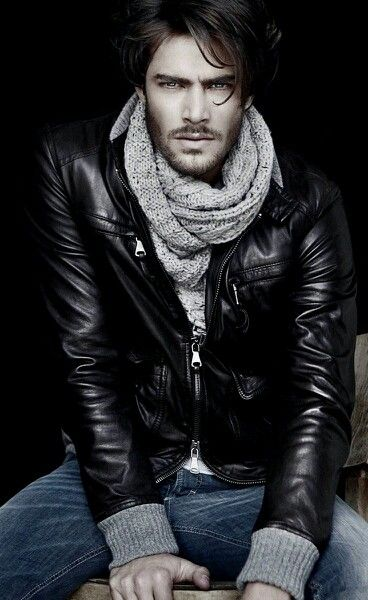 Knit scarf + jeans + leather