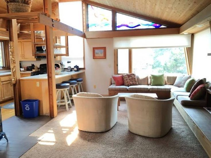 Entire home/apt in Cambria, United States. - Unique craftsman-style home  - Art-filled peaceful retreat - Short walk to beautiful beach and nature trails - Window seat and deck with distant ocean view - Free Wifi + 2 TVs  - Unlimited long distance phone - Includes garage - Clean and comfor...