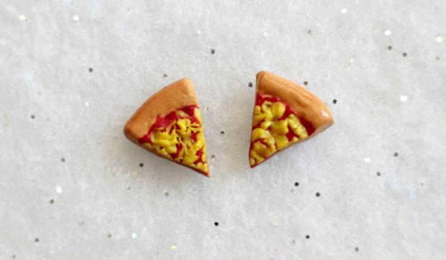 polymer clay pizza earrings http://kateskraftblog.blogspot.co.uk/