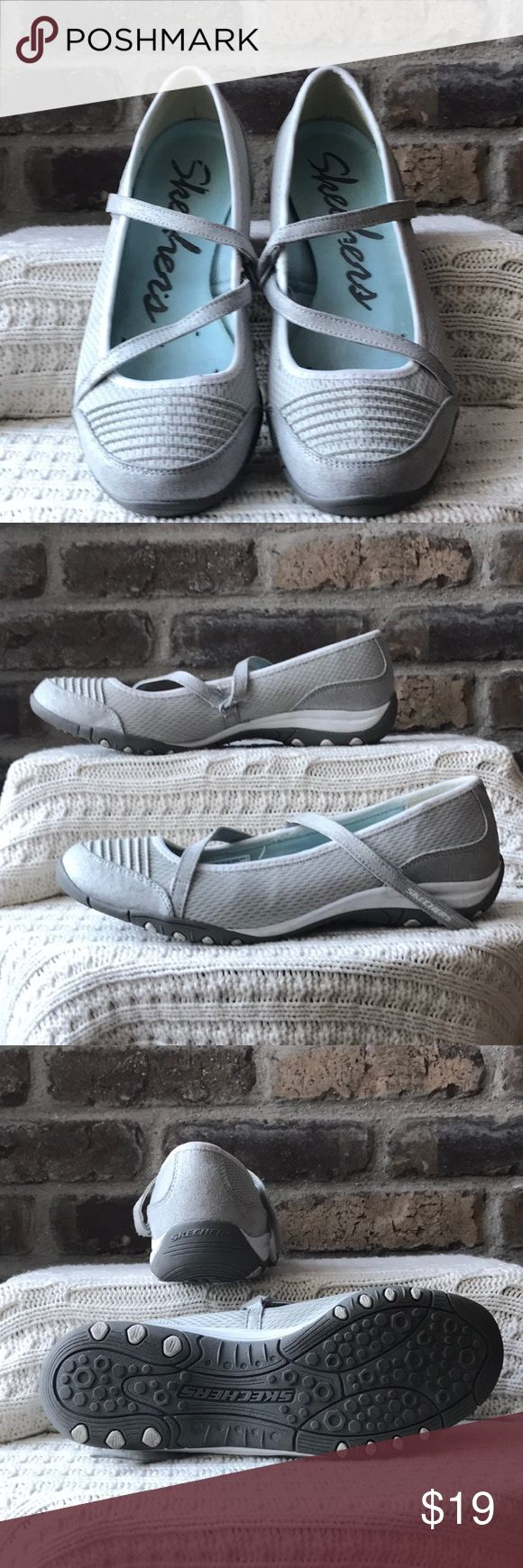 Skechers Women's size 9 gray and white Skechers. They have barn but are in good condition Skechers Shoes Flats & Loafers