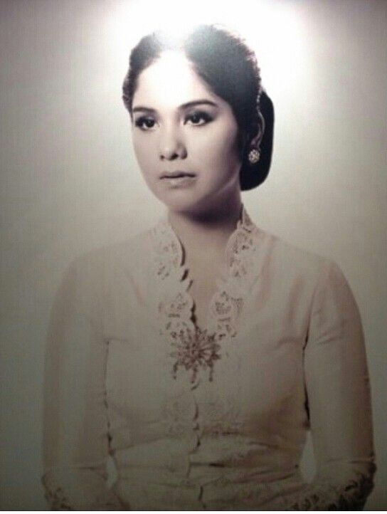anisa pohan look like kartini