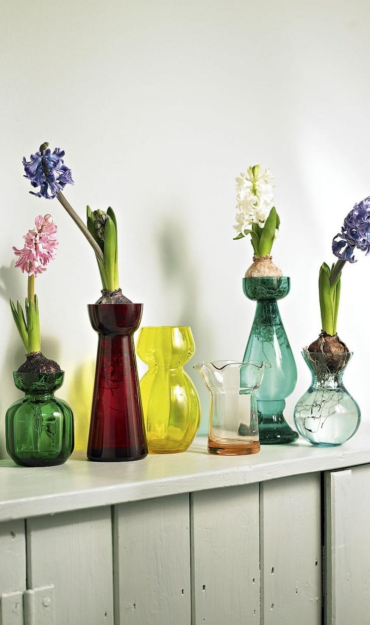 flores en jarroncitos