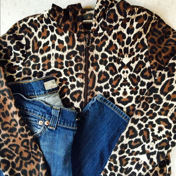 Ariat animal print hoodie Ariat animal print hoodie. Has pilling. Hard to see but can be felt. Otherwise, great condition. I love this hoodie, it's just too snug for me. Ariat Tops Sweatshirts & Hoodies