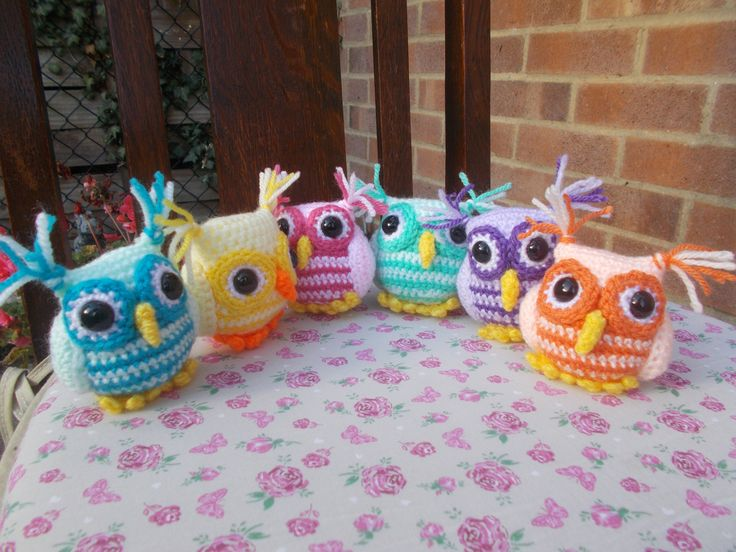 Cute little owls.... pattern by Janine Holmes called Nesting Rainbow Owls