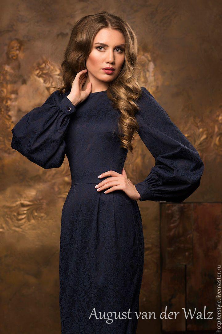 b1fc6ab9757 Платье футляр женское темно-синее в миди длине с рукавом «фонарик ...