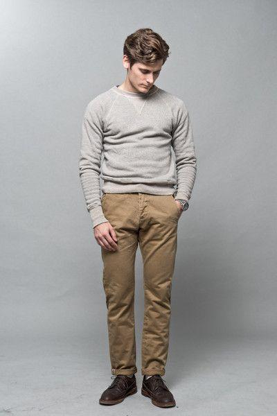 Loopwheeled sweatshirt worn with Lean Garments selvedge chinos and a pair of Alden Kudu Longwings  #wardrobestables #essentials #sweatshirt #loopwheel #loopwheeled #madeinjapan #menswear #streetwear #rawdenim #workwear #ocbd #oxfordshirt #buttondown #alden #longwings