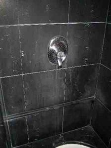 How to remove Soap Scum from your shower... Effortlessly!