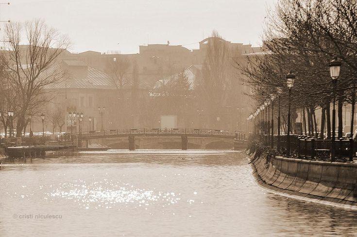 Dambovita Bridge by Cristi Niculescu