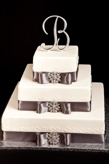 Lunds And Byerlys Wedding Cakes