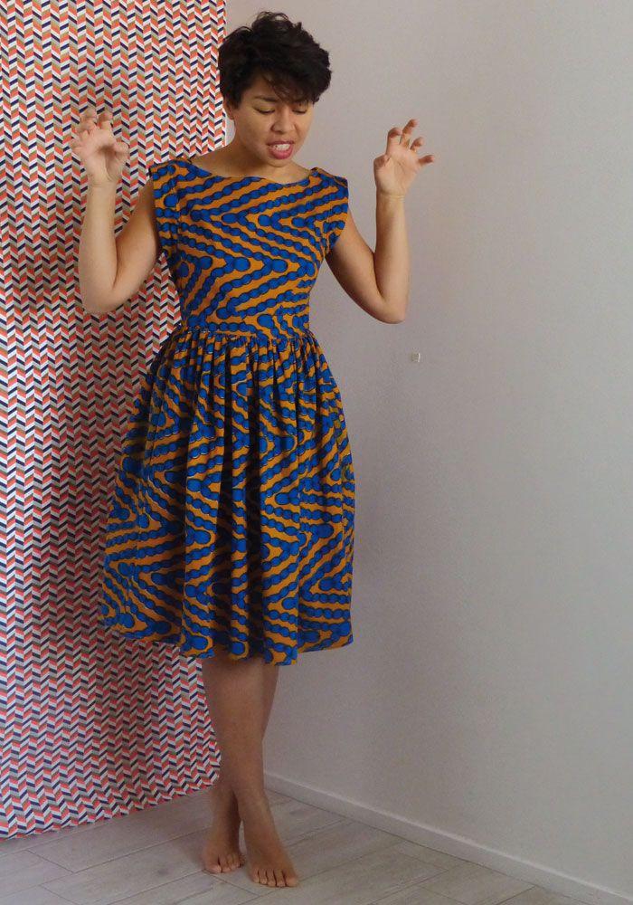 Je fais mon retour par ici avec ma robe de Réveillon :) Et oui vous ne vous trompez pas, il s'agit bien de Chiara de Wear Lemonade, le come-back en wax !