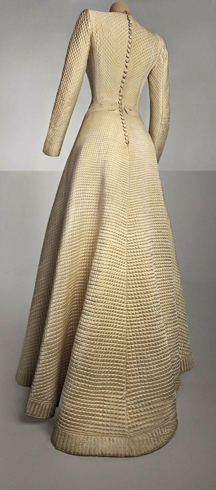 1944 Bruyère wedding dress (back view), via Palais Galliera, Museum of Fashion.