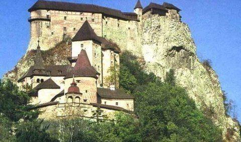 SLOVENSKO - Hrady a zámky Slovenska
