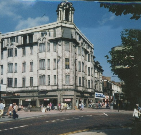 A rare colour photograph of Wrights Tower House on the corner of Linthorpe Road and Grange Road. A one time prominent landmark in Middlesbrough.