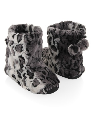 Fuzzy Snow Leopard Print Slippers. Want! love 'em!