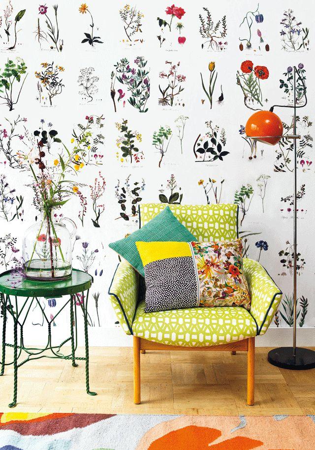 De leukste bloemendecoratie voor op de muur koop je niet in de winkel maar maak je zelf!