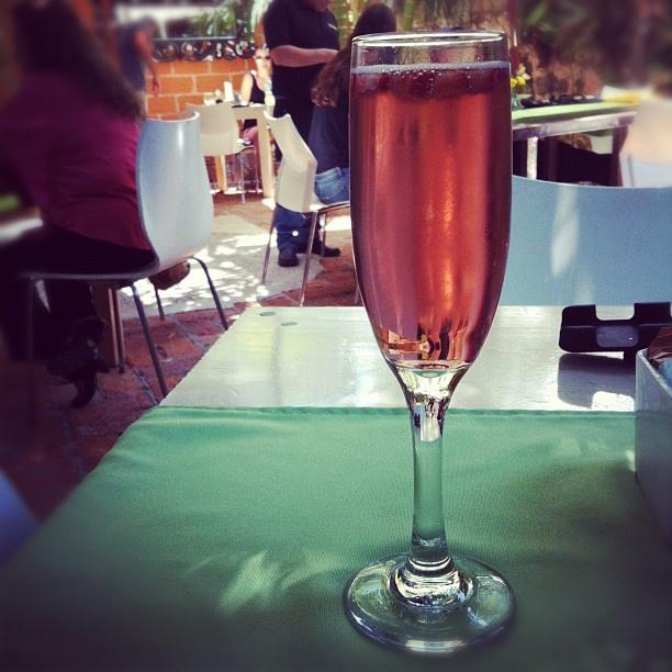 Para la rica mañana en #PuertoVallarta, una refrescante #Mimosa de Coco´s Kitchen.