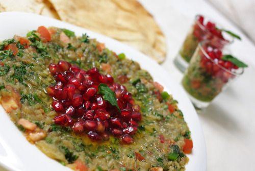 Baba ghannouj / Dip d'aubergines grillées, mélasse de grenade et plein d'autres choses | Paris-Alep (cuisine syrienne)