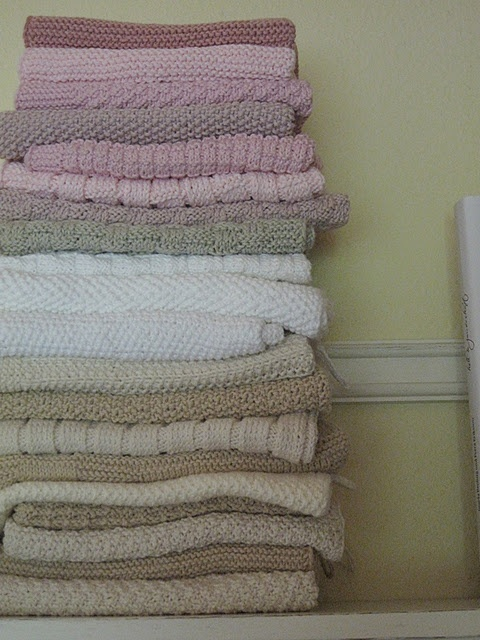 Knit kitchen towels, great idea, I do need new one :)