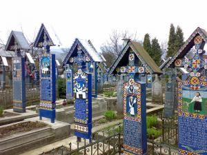 Cimitirul Vesel din Sapanta  http://www.infokazare.ro/obiective-turistice/cimitirul-vesel-din-sapanta