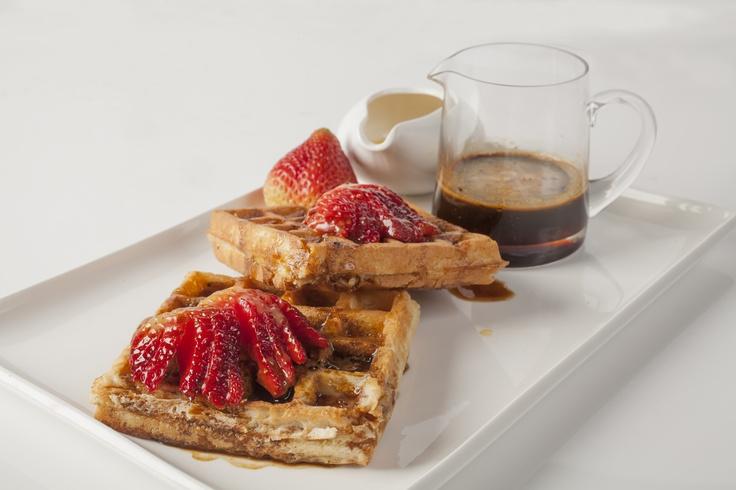 Las tostadas francesas tradicionalmente llevan miel de maple, pero dale un sabor nuevo con el rico sabor de la miel de café.