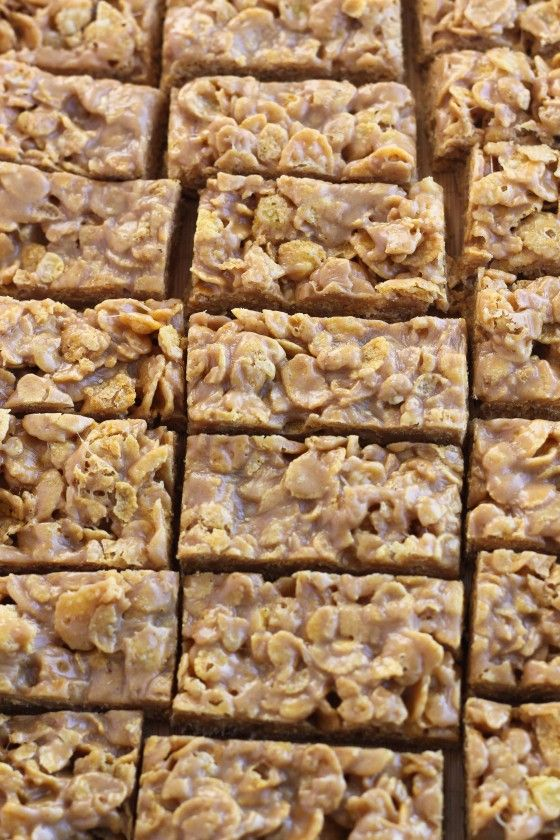 No-Bake Peanut Butter Cornflake Bars | Bake Your Day @Cassie Laemmli | Bake Your Day