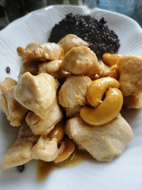 pollo, anacardi e riso venere: un piatto completo!