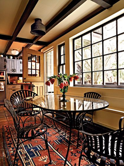 Homey: Chloe Sevigny, Sevigny Kitchens, Chloë Sevigny, Dutch Doors, Interiors Design, Country Kitchens, Kitchens Rugs, Doors In The Kitchens, Half Doors