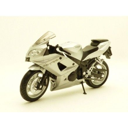 MOTO TRIUMPH DAYTONA 600 GRIS METALLISE 2004 1/18 WELLY 12179S 4891761196639 TR19660PW SILIVER SILBER ZILBER