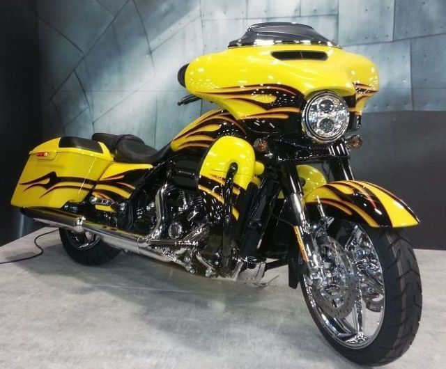 2015 Harley-Davidson FLHXSE - CVO Street Glide Touring , Scorching Yellow / Starfire Black Flames for sale in Scott City, MO #harleydavidsonbaggercustom