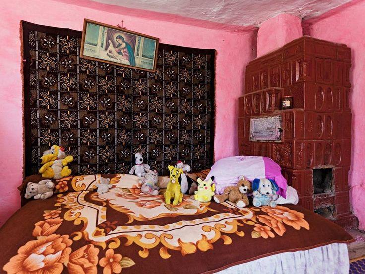 Fotografias de adolescentes romenos virgens em preparação para o casamento