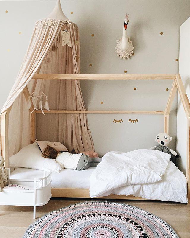 ✨ gute Nacht, ihr Lieben ❤️ ________________________ #goodnightworld #gutenacht #kidsroom #kidsstyle #kidsinterior #kinderzimmer #girlsroom #kinderkamer #barnrum #nursery #kidsdecor #sleepyeyes #numero74 #kidsinspo #crochetrug  #smallstuff #luckyboysunday #kidsforreal #sewheartfelt #hausbett #housebed #inspo #instahome #kidsofinstagram #instakids #igkids #inredning #finabarnsaker #kidsperation #kidsroomdecor