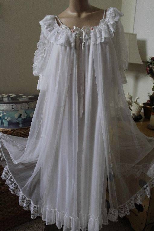 Tosca Vtg 2pc Nylon Chiffon Bridal White Robe