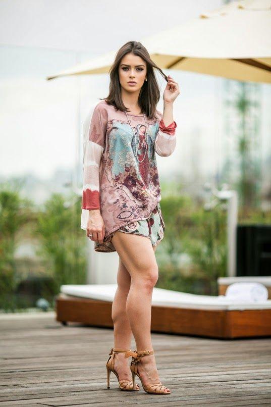 Mariana Saad look ideal para ser usado com um Sutiã Meia-Taça de renda e Calcinha Biquíni com laterais em renda