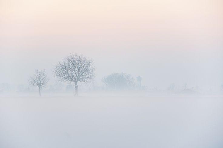 L'hiver et en particulier les périodes de neige sont des moments idéaux pour s'essayer à la photographie minimaliste extérieure. En effet lorsque les paysages sont couverts de neige et que le ciel est gris, tout ce que vous photographiez se démarquer naturellement, La preuve en image! Ces photos ont été sélectionnées sur FlickR, toutes sous ...