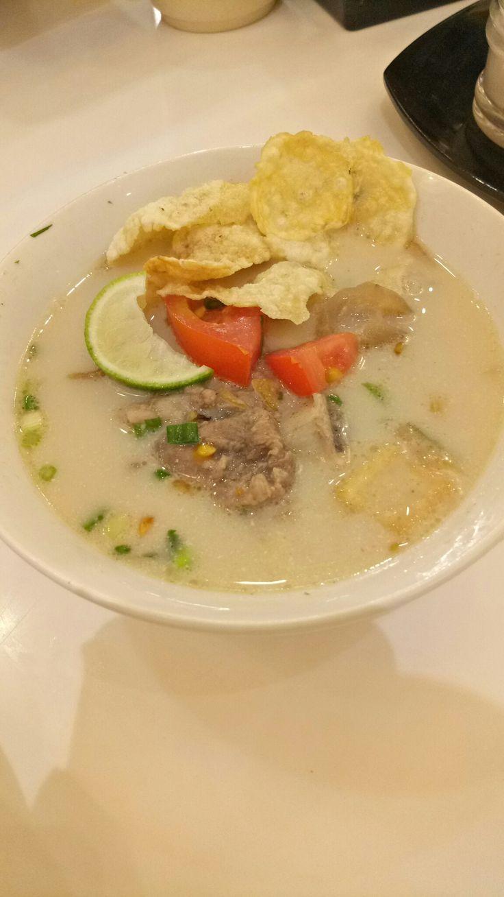 Sop buntut + kikil @chop buntut cak yo # indonesiantaste #yummy