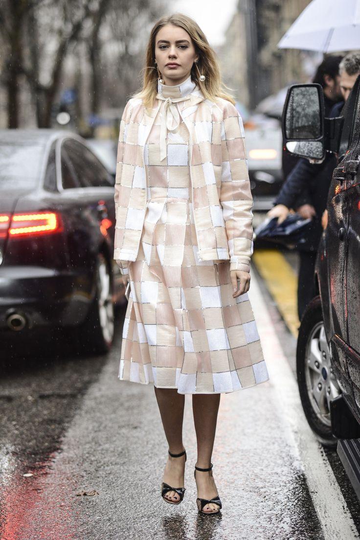 UBRANIA W KRATĘ: JAK I Z CZYM JE NOSIĆ? #check #fashion #streetstyle #woman #rain