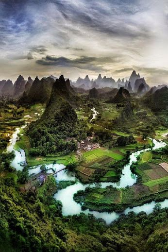 Exotico paisaje en Guanxi - China . . .