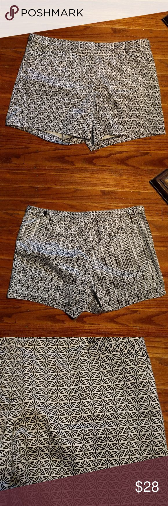 Selling this Laundry By Shelli Segal Shorts on Poshmark! My username is: lindasandmann. #shopmycloset #poshmark #fashion #shopping #style #forsale #Laundry By Shelli Segal #Pants